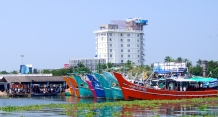Colourful boats docked on the jetty…awaiting their turn to return to the sea